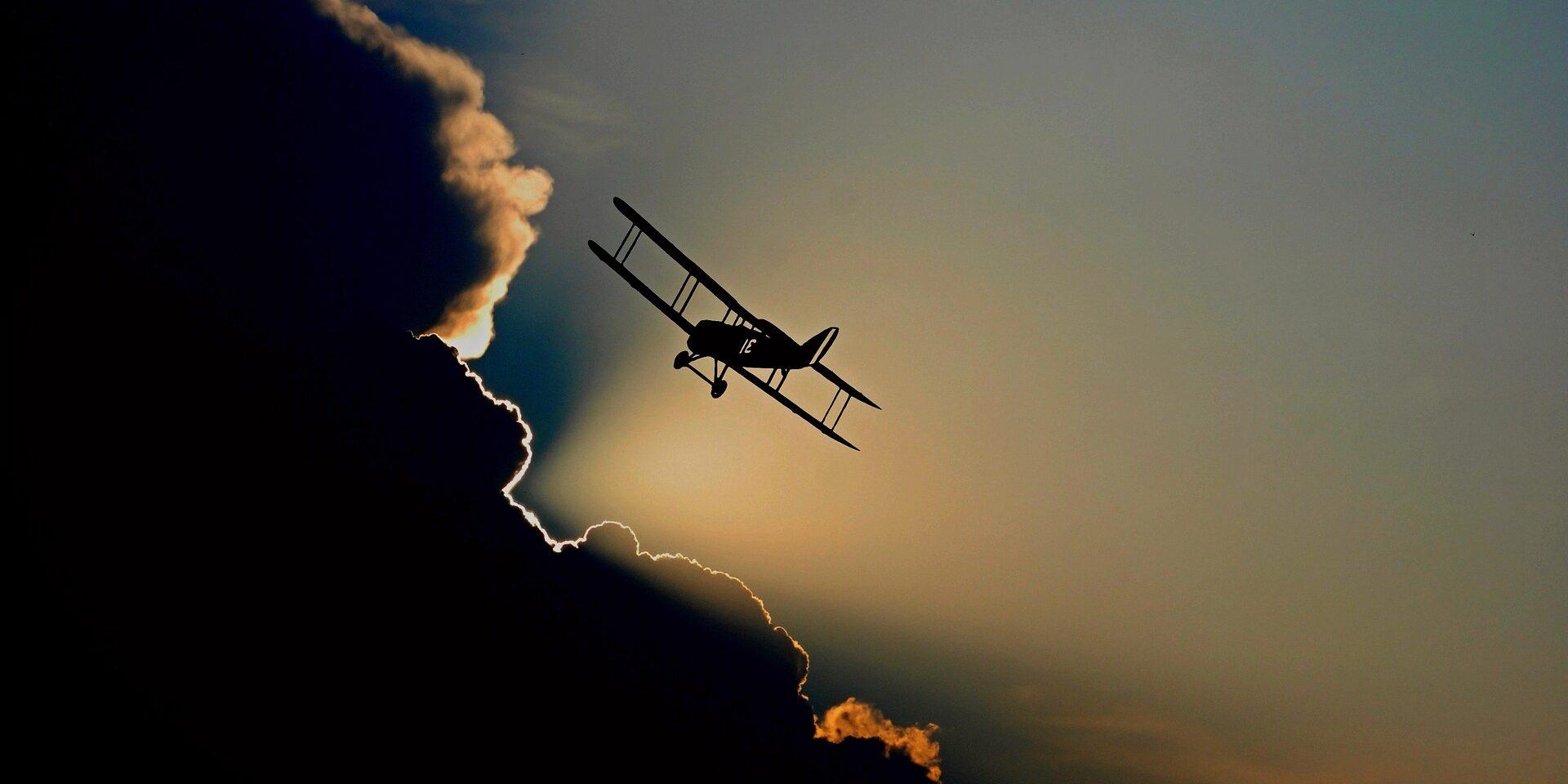 aircraft-1813731_1920