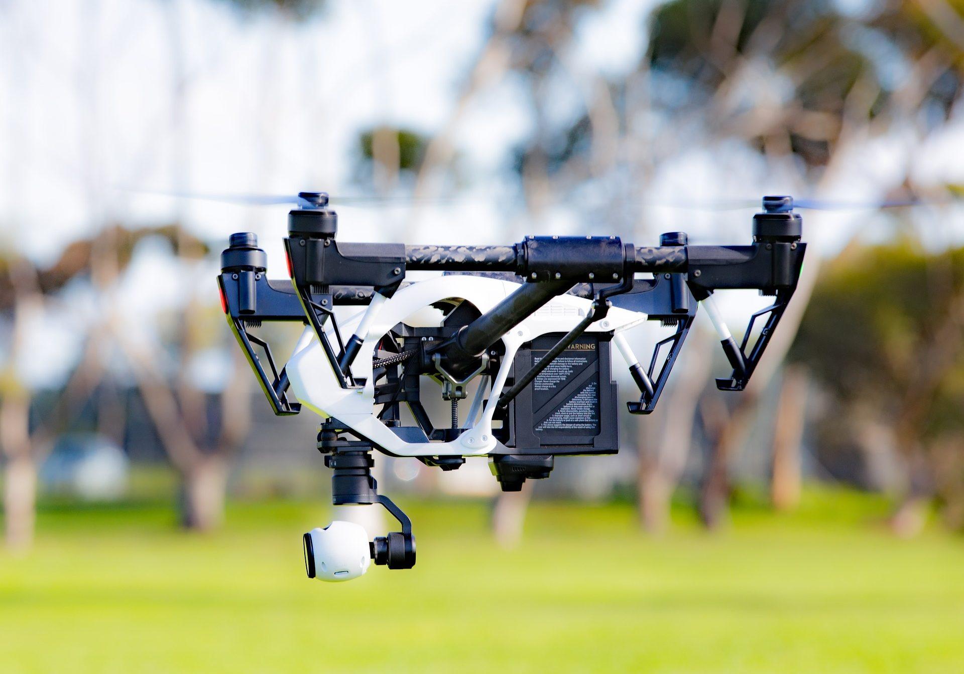 drone-1934077_1920